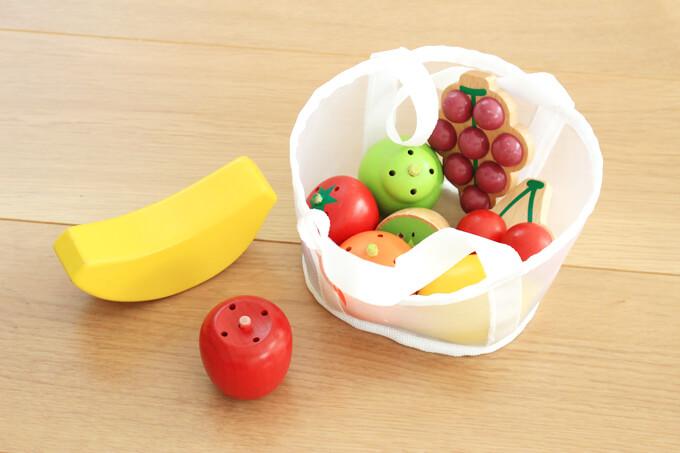 WKステージ1の玩具木製フルーツ