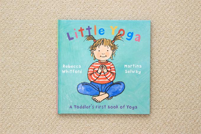 ワールドワイドキッズの絵本Little Yoga