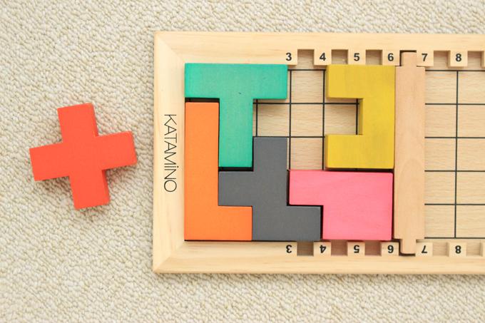 カタミノの型はめパズルとしての遊び方
