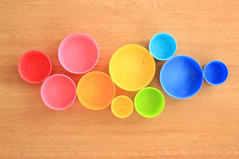 コップ重ねで色遊び