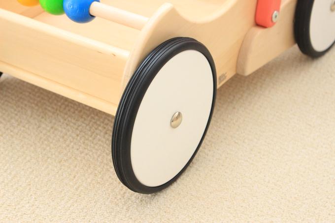 ボーネルンドの手押し車(バヨ)のタイヤ.jpg