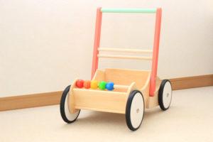 手押し車といえば絶対ボーネルンド!押して歩いて赤ちゃんのあんよを育てます