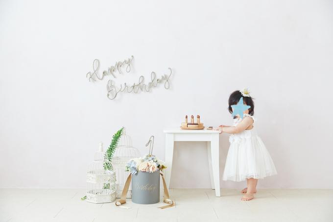 たまひよの写真スタジオで1歳のお誕生日写真を撮影(モダンカリグラフィー)
