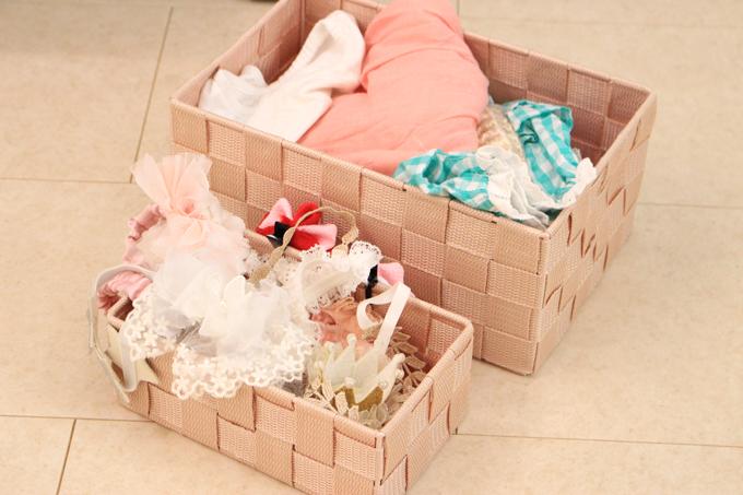カチューシャや髪飾りなど、小物も豊富に用意されている
