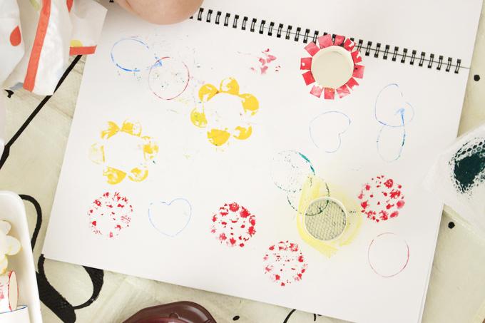 スタンプ遊びを1歳からスタートしよう!手軽に始められる材料と遊び方のまとめ