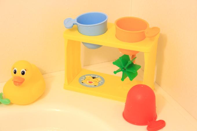 おふろで知育カップはお風呂に常備
