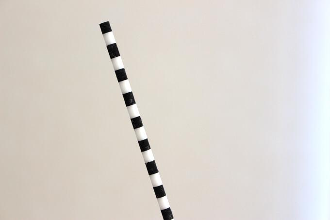 白黒のしましまの棒