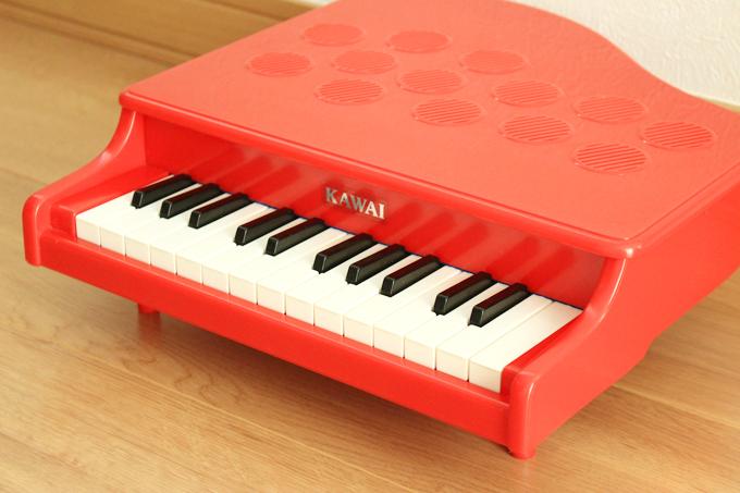 とにかくシンプルなのがカワイのミニピアノ