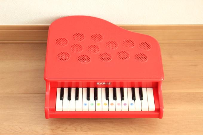 カワイのミニピアノで楽器デビューしよう!