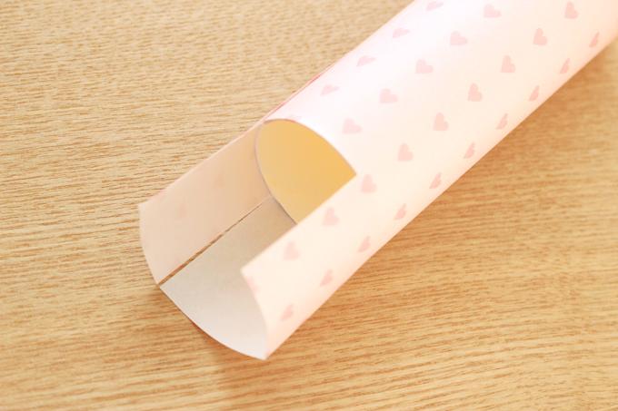 折り紙を折り込む