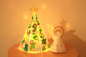 光るクリスマスツリーの作り方★牛乳パックで簡単、お部屋にクリスマス気分が広がります