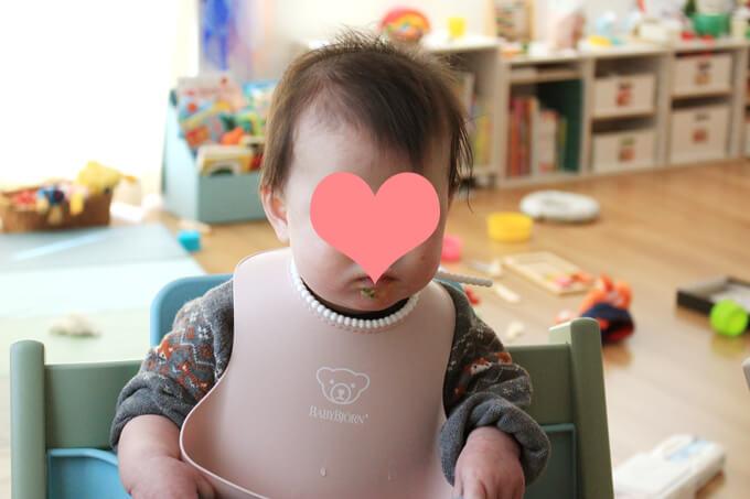 ひな祭り離乳食を食べる赤ちゃん