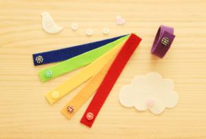 フェルトのボタンおもちゃは簡単に手作りできる!ボタンホール不要・極力縫わないのに丈夫にできるやり方