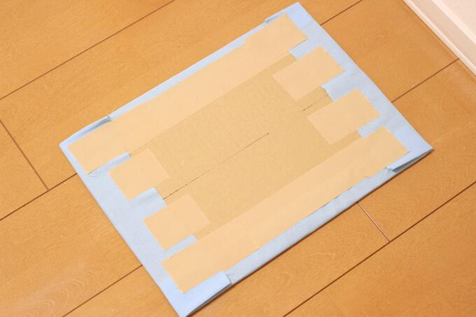 布を貼った仕切り板
